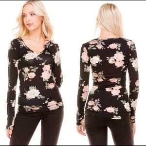 Tops - Floral black fitted top
